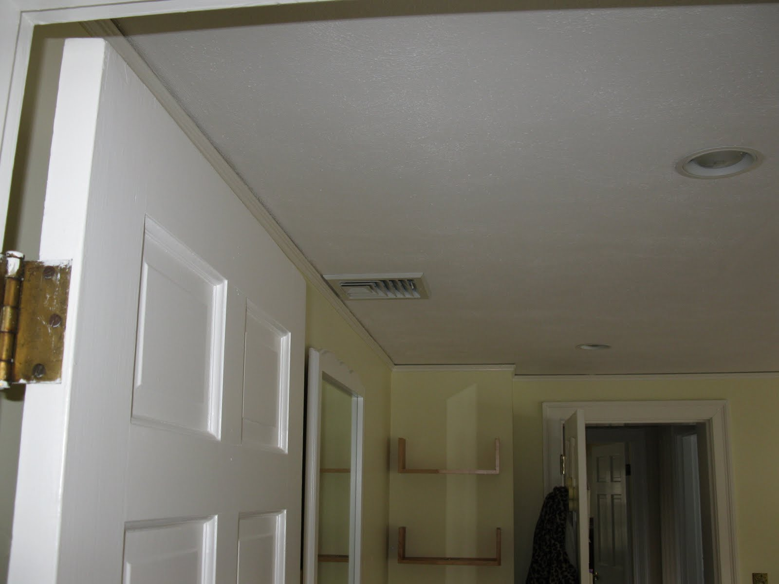 How to cut base molding around wall vent - Below Are The Two Air Trucks That Feed Each Bedroom The Upper Right Is The Corner Vent And