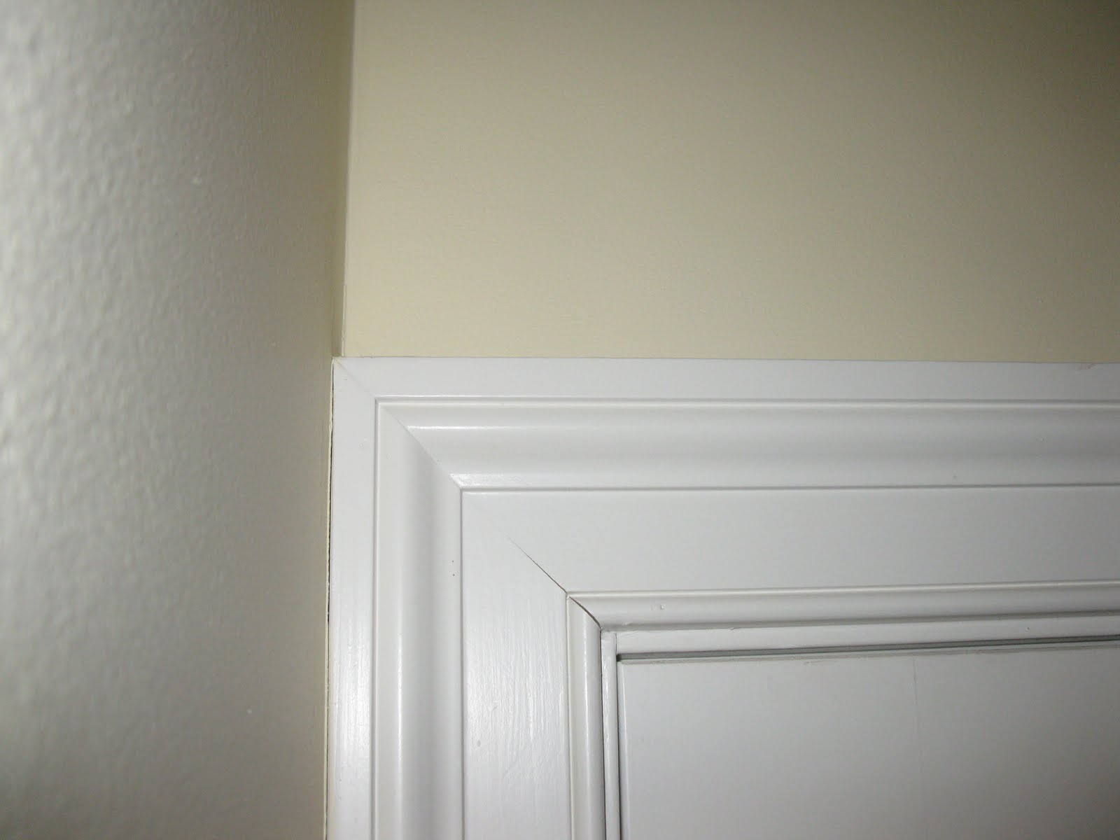 Trim doors farmhouse style door trim and baseboards for Door moulding