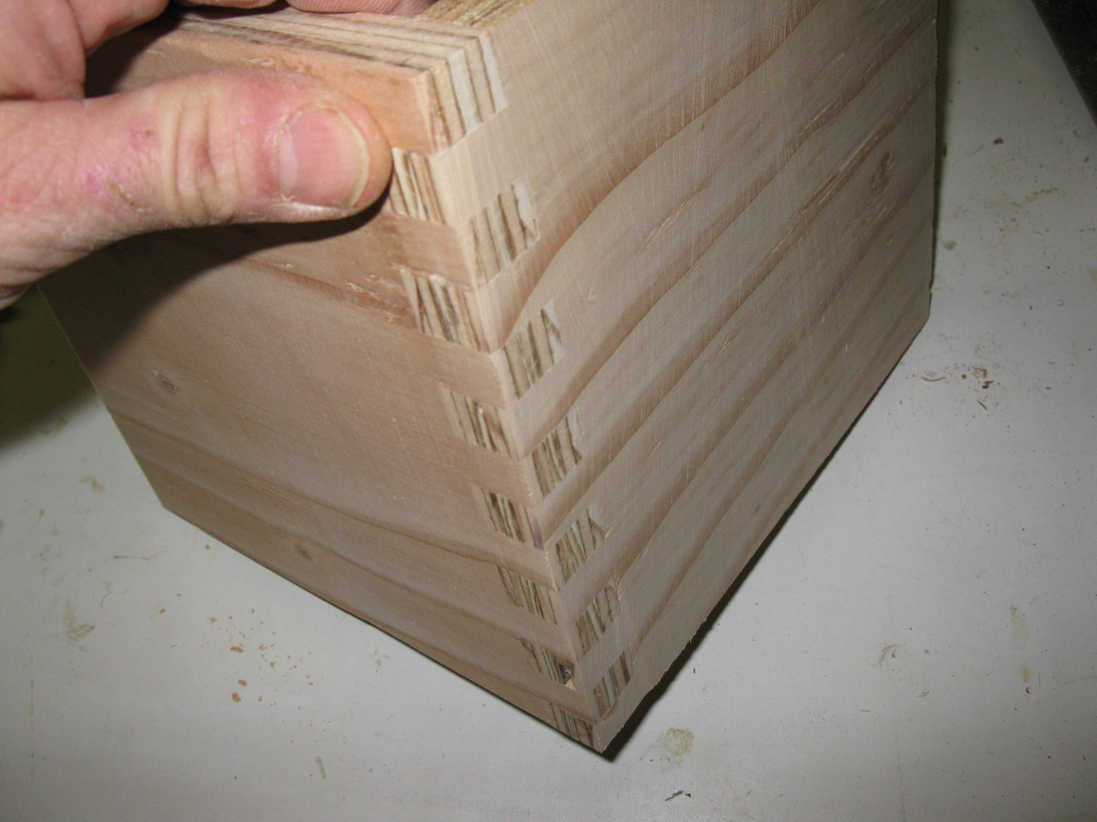 how to connect plywood at corners