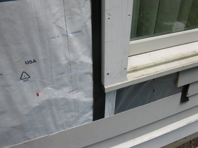 Flashing siding joints a concord carpenter for Window z flashing